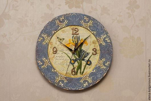 """Часы для дома ручной работы. Ярмарка Мастеров - ручная работа. Купить Часы настенные """"Время ирисов"""" декупаж. Handmade. Голубой"""