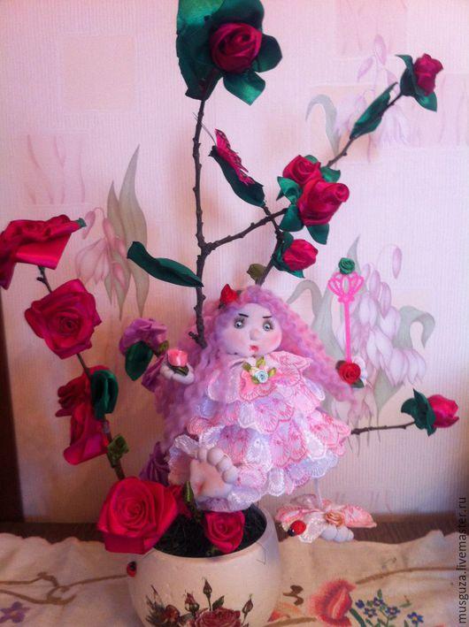 """Сказочные персонажи ручной работы. Ярмарка Мастеров - ручная работа. Купить кукла """"Фея розового куста"""" с цветами из лент. Handmade."""