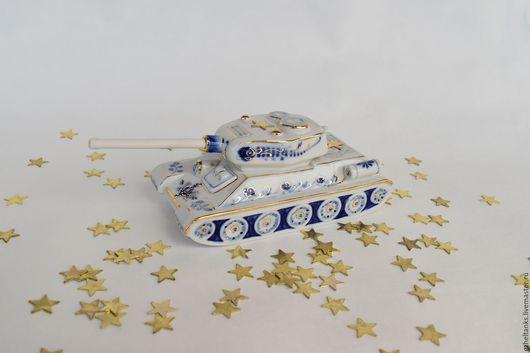 Сувениры ручной работы. Ярмарка Мастеров - ручная работа. Купить Танк Т-34-85 фарфор, гжель с золотом. Handmade.