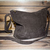 Классическая сумка ручной работы. Ярмарка Мастеров - ручная работа Замшевая сумочка - горький шоколад. Handmade.