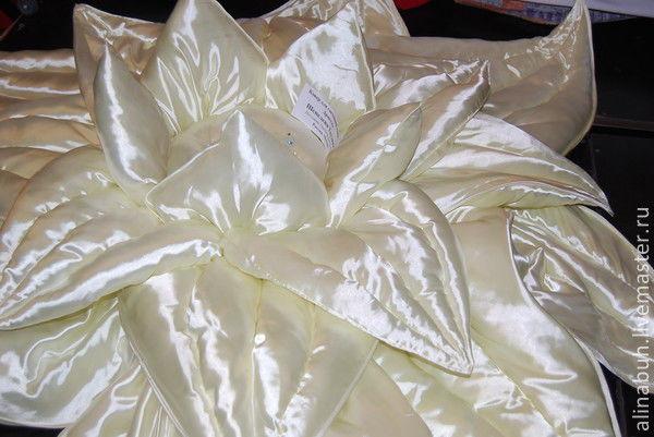 Текстиль, ковры ручной работы. Ярмарка Мастеров - ручная работа. Купить Нимфея из страны Грез. Handmade. Золотой, цветы из ткани