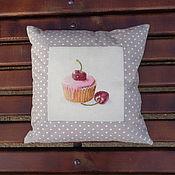 Для дома и интерьера ручной работы. Ярмарка Мастеров - ручная работа подушка  диванная декоративная Пирожные вишня. Handmade.