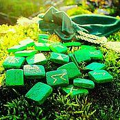 Руны ручной работы. Ярмарка Мастеров - ручная работа Руны: Зеленые Руны (набор). Handmade.