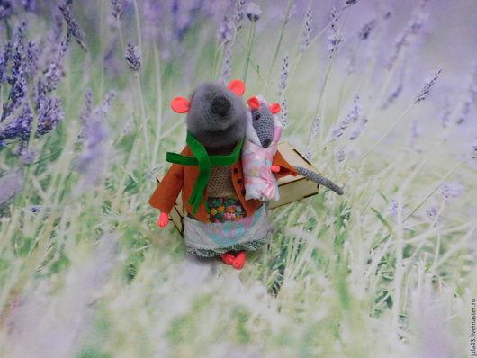 Игрушки животные, ручной работы. Ярмарка Мастеров - ручная работа. Купить Мама мышка с малышкой (вязаная интерьерная игрушка). Handmade.