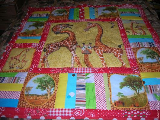 Детская ручной работы. Ярмарка Мастеров - ручная работа. Купить Детское лоскутное одеяло в кроватку Жирафики 1. Handmade. Разноцветный