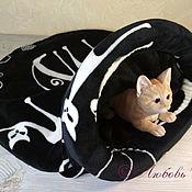 Зоотовары handmade. Livemaster - original item Bed - sleeping bag for cats Cats black and white. Handmade.
