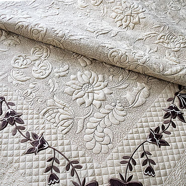 Текстиль ручной работы. Ярмарка Мастеров - ручная работа Покрывало стеганое с вышивкой. Handmade.