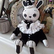 Куклы и игрушки ручной работы. Ярмарка Мастеров - ручная работа 002 Черно-белый зайка. Текстильный. Handmade.