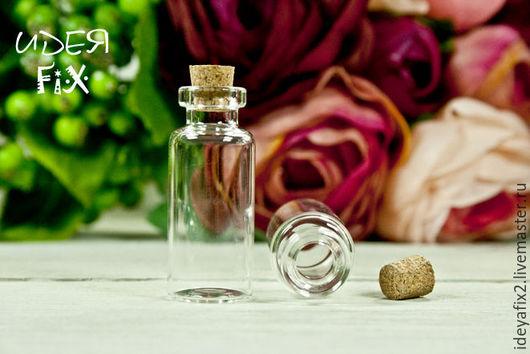 Размер бутылочки без пробки 40х17 мм, высота пробки - 8 мм.