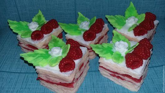 """Мыло ручной работы. Ярмарка Мастеров - ручная работа. Купить Мыло """"Малиновое пирожное"""". Handmade. Ярко-красный, малина"""