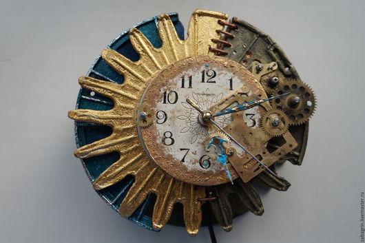 """Освещение ручной работы. Ярмарка Мастеров - ручная работа. Купить ночник-часы настенные """"Солнечное затмение"""" в стиле стимпанк. Handmade."""