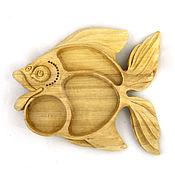 Для дома и интерьера ручной работы. Ярмарка Мастеров - ручная работа Деревянная тарелка для сухих закусок в форме рыбы сервировка стола. Handmade.