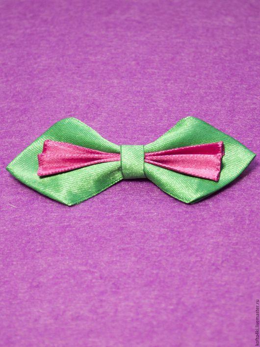 Галстуки, бабочки ручной работы. Ярмарка Мастеров - ручная работа. Купить Брошь галстук-бабочка атласная зелено-малиновая. Handmade.