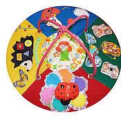 Куклы и игрушки ручной работы. Ярмарка Мастеров - ручная работа Развивающий коврик  - Путешествие божьей коровки. Handmade.