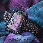 Украшения ручной работы. Ярмарка Мастеров - ручная работа Вышитый бисером сиреневый браслет с дихроическим стеклом. Handmade.