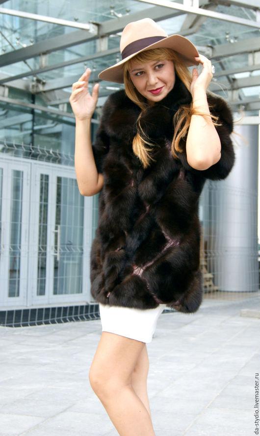 Author`s clothes by Dmitriy PEHTASHEV_Studio: шуба из темного соболя со съемными рукавами (АРТИКУЛ 01-09-16)