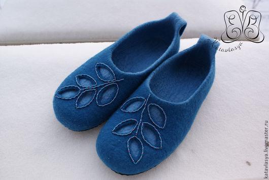 """Обувь ручной работы. Ярмарка Мастеров - ручная работа. Купить Тапочки """" Духи морского леса"""". Handmade. Тёмно-бирюзовый"""