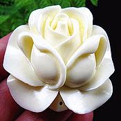 1964 кулон роза