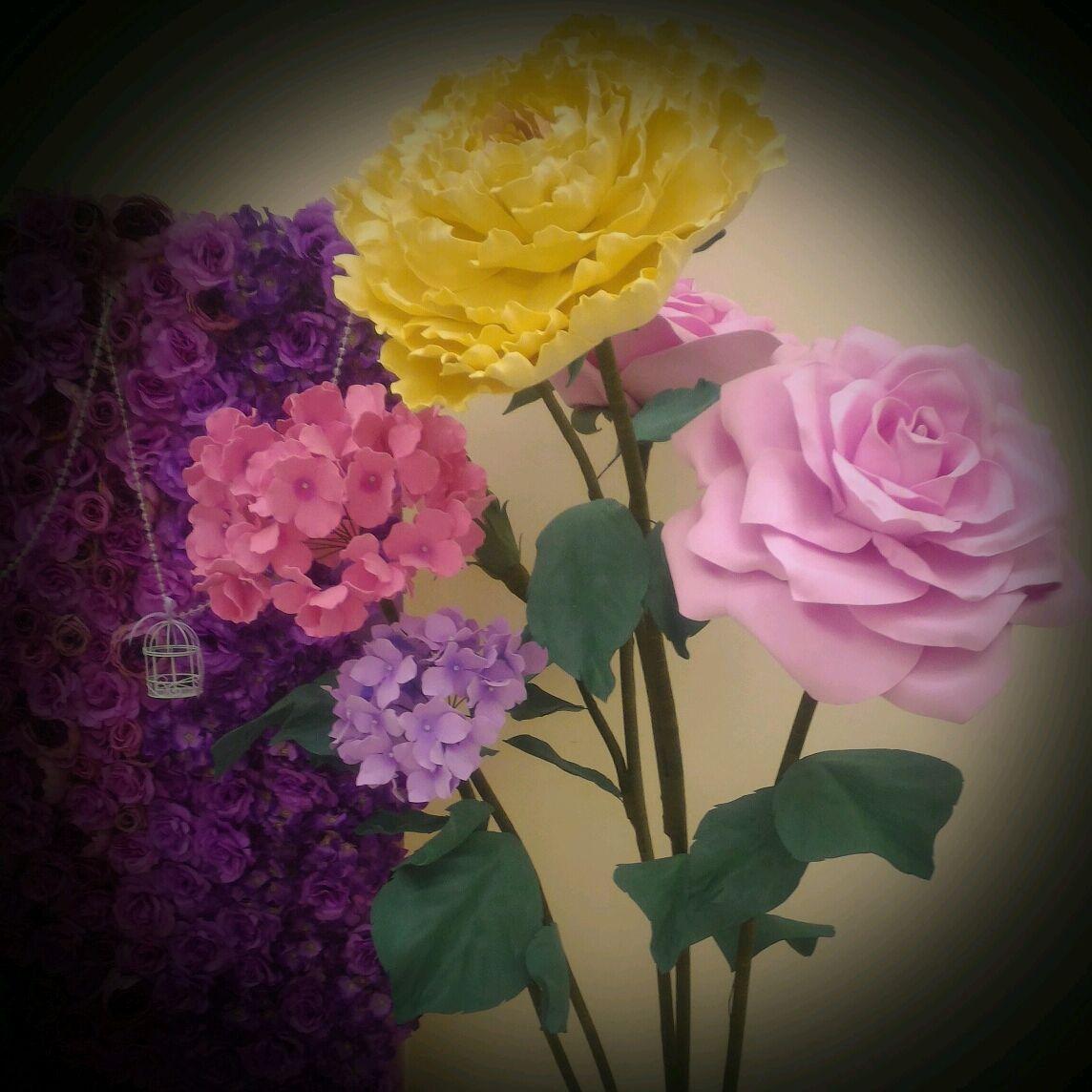 Ростовые розы, большие цветы, Стенды, Москва,  Фото №1