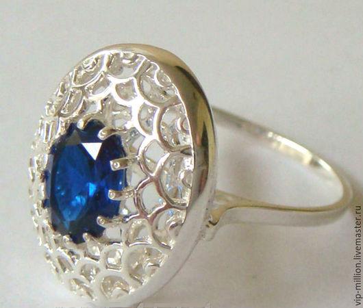Кольца ручной работы. Ярмарка Мастеров - ручная работа. Купить Серебряное кольцо с сапфиром (лаб). Handmade. Синий, кольцо с сапфиром
