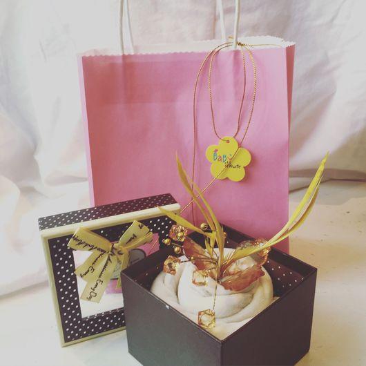 Подарки для новорожденных, ручной работы. Ярмарка Мастеров - ручная работа. Купить Пирожное из одежды. Handmade. Подарок, выписка, подарок новорожденному