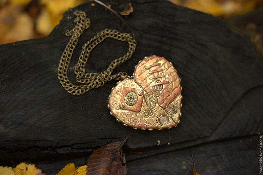"""Кулоны, подвески ручной работы. Ярмарка Мастеров - ручная работа. Купить Кулон """"Золотое сердце"""". Handmade. Кулон, сердце"""
