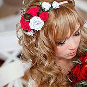 """Свадебный салон ручной работы. Ярмарка Мастеров - ручная работа ободок для волос """"Красно-белые розы"""". Handmade."""