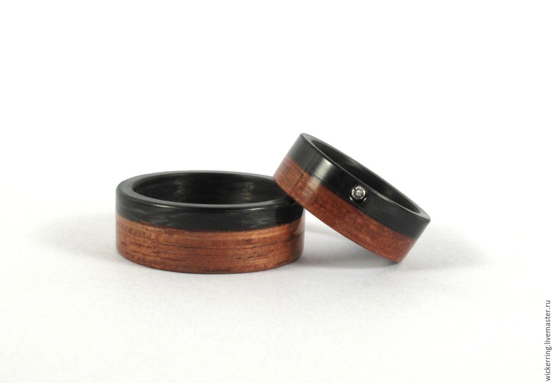 Пара обручальных колец из карбона и дерева с кристаллом Swarovski