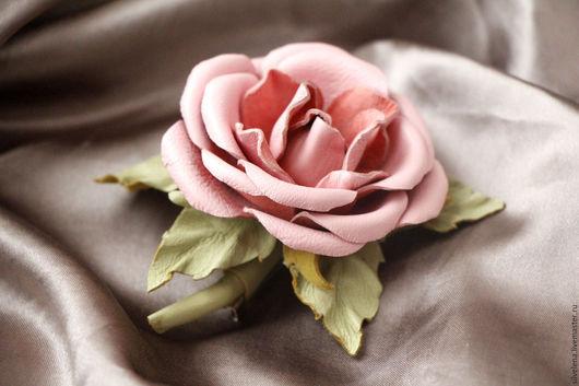 Броши ручной работы. Ярмарка Мастеров - ручная работа. Купить Роза Брошь из кожи. Цветы из кожи. Handmade. Подарок женщине
