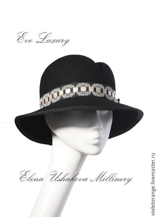 Черная шляпа с полями из велюрового фетра с французской репсовой лентой. Все мои шляпы сделаны полностью вручную и выходят в свет под брендом Evo Luxury