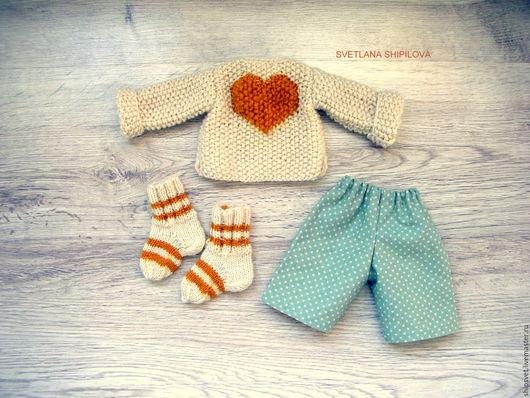 Одежда для кукол ручной работы. Ярмарка Мастеров - ручная работа. Купить Пуловер и носочки.. Handmade. Ярко-красный, заяц