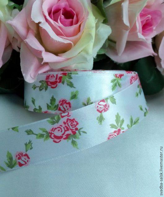 Шитье ручной работы. Ярмарка Мастеров - ручная работа. Купить Лента атласная белая  розовыми розами (25 мм). Handmade.