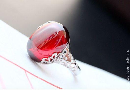 Кольца ручной работы. Ярмарка Мастеров - ручная работа. Купить Кольцо с красный гранатом из серебра.. Handmade. Кольцо, серебро