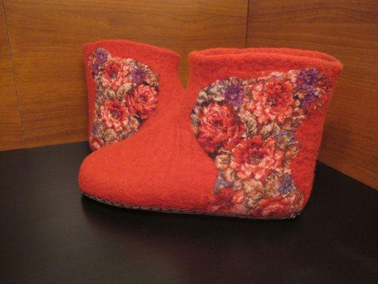 Обувь ручной работы. Ярмарка Мастеров - ручная работа. Купить Валенки красные. Handmade. 100% шерсть