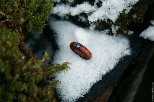 Кольца ручной работы. Ярмарка Мастеров - ручная работа. Купить деревянное кольцо с Лондон-топазом. Handmade. Подарок девушке, дерево