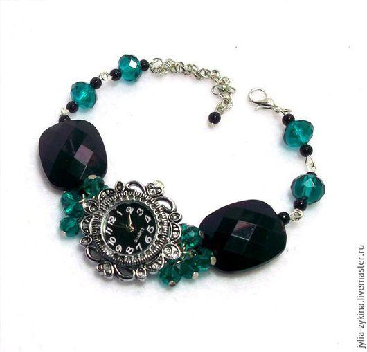 женские часы кварцевые из черных бусин. Эти часы станут замечательным подарком женщине и девушке на любой праздник.