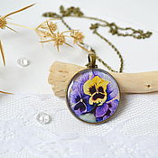 Украшения handmade. Livemaster - original item Round Vintage Pendant Pansies Purple And Yellow. Handmade.