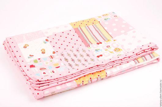 """Пледы и одеяла ручной работы. Ярмарка Мастеров - ручная работа. Купить Детское одеяло для девочки """"Розовый зефир"""". Печворк. Handmade."""