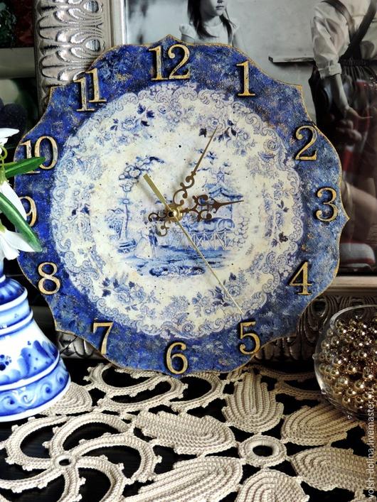 """Часы для дома ручной работы. Ярмарка Мастеров - ручная работа. Купить Часики """"по мотивам голландского фарфора"""" (декупаж). Handmade."""