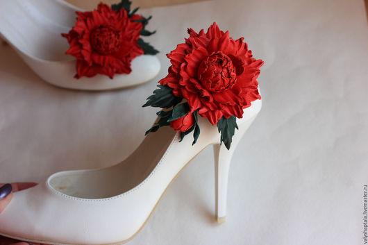 """Броши ручной работы. Ярмарка Мастеров - ручная работа. Купить Клипсы для туфель """"Дикая роза"""". Handmade. Коралловый, клипсы для обуви"""