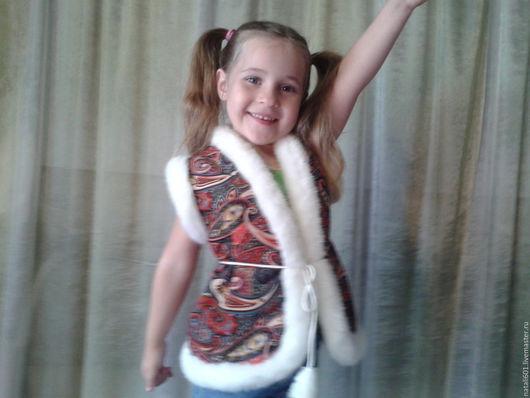 Одежда для девочек, ручной работы. Ярмарка Мастеров - ручная работа. Купить детский жилет,одежда. Handmade. Разноцветный, искусственный мех
