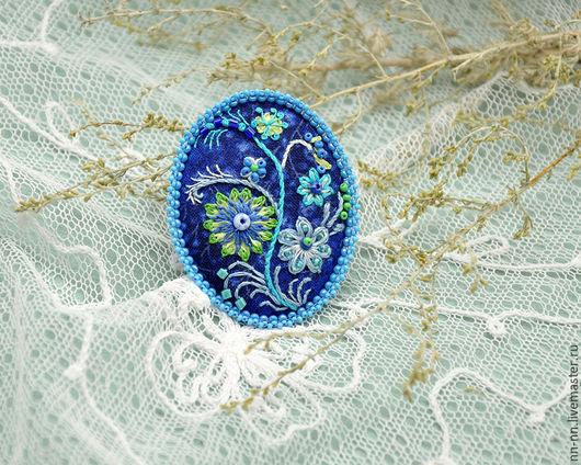 Броши ручной работы. Ярмарка Мастеров - ручная работа. Купить Петрикiвка. Брошь с вышивкой синяя голубая бирюзовая. Handmade.