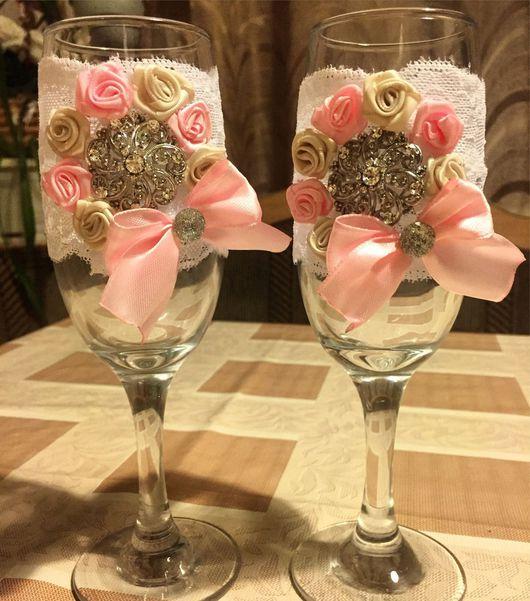 Свадебные аксессуары ручной работы. Ярмарка Мастеров - ручная работа. Купить Свадебные бокалы с брошью. Handmade. Бледно-розовый, кружево