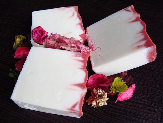 """Мыло ручной работы. Ярмарка Мастеров - ручная работа. Купить """"Моя Эгоисточка"""" натуральное мыло с шелком. Handmade. Белый"""