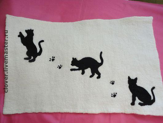 """Банные принадлежности ручной работы. Ярмарка Мастеров - ручная работа. Купить Коврик для бани """"Кошки"""". Handmade. Кошки, коврик для бани"""