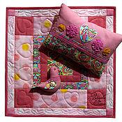 Куклы и игрушки ручной работы. Ярмарка Мастеров - ручная работа лоскутное одеялко для куклы Розовый сон с птичкой. Handmade.