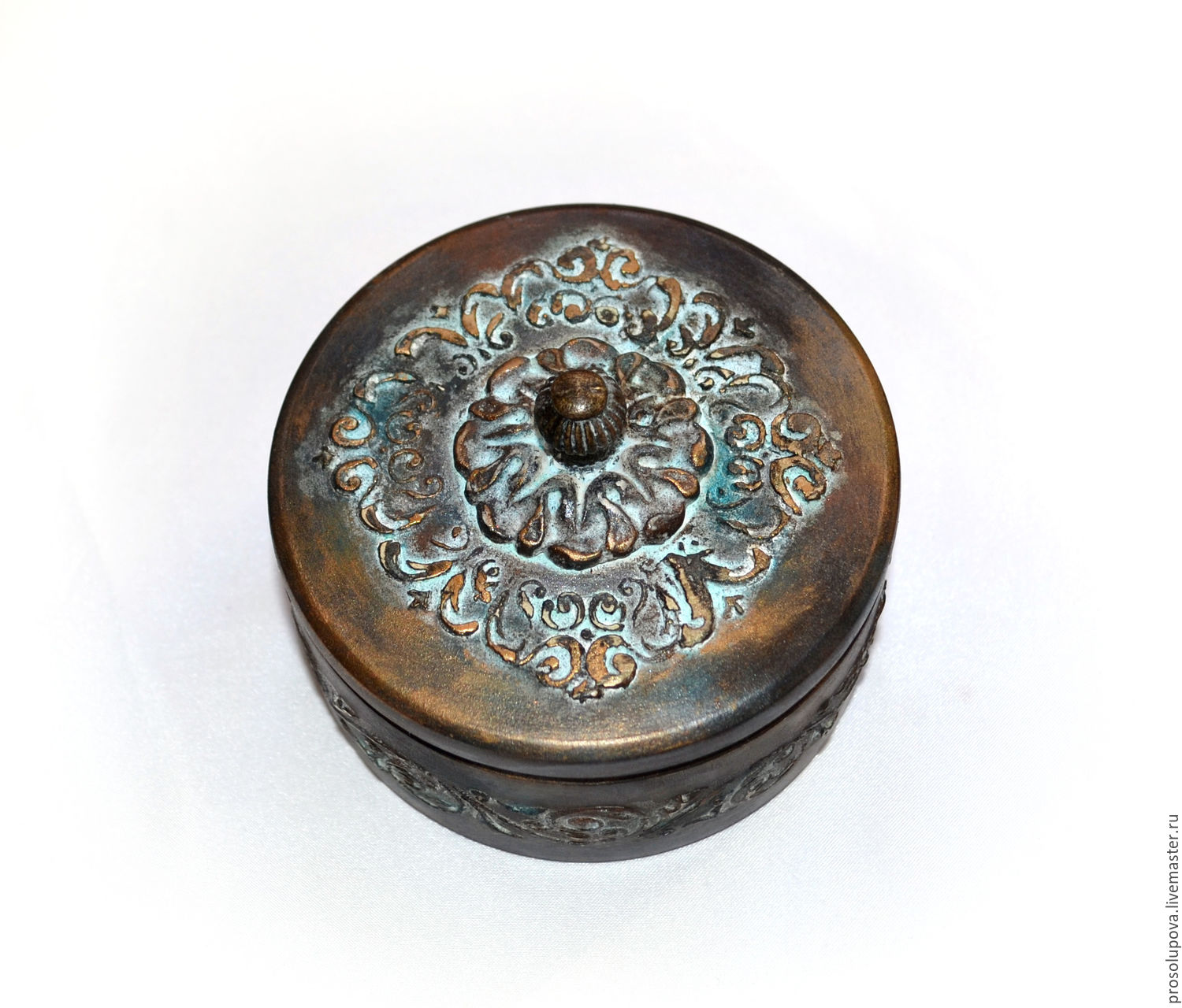 Antique jewelry box round shop online on Livemaster with shipping
