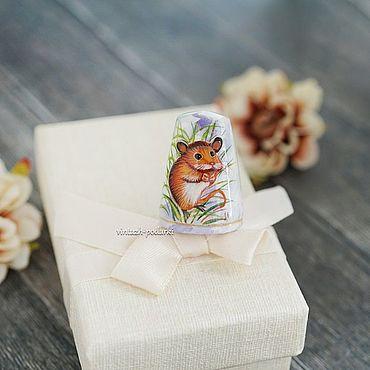 Сувениры и подарки ручной работы. Ярмарка Мастеров - ручная работа Наперсток из дерева с росписью. Handmade.