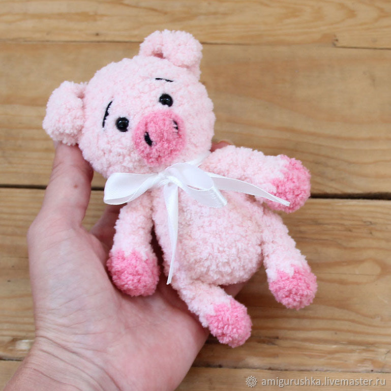 buy amigurumi, soft toy characters of the year 2019, knitted character 2019, knitted toys pigs, to buy a toy pig, a pig of plush yarn, Christmas toy pig, Christmas game