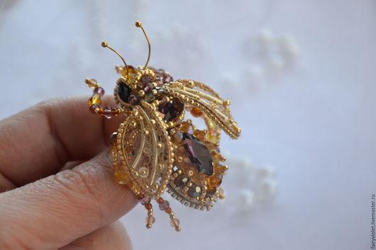 """Броши ручной работы. Ярмарка Мастеров - ручная работа. Купить Брошь  """"Золотая пчелка"""". Handmade. Золотой, насекомое, золотая пчелка"""